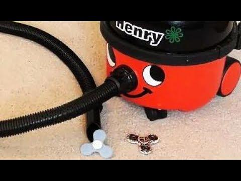 😹 FIDGET SPINNER CHALLENGE Gone Wrong ~ Fidget Spinner Tricks ~ Fun Henry the Hoover Movie for Kids