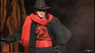A clip of Kozuki Wataru singing 愛の星/JAI UN TROU DANS MA TETE fro...