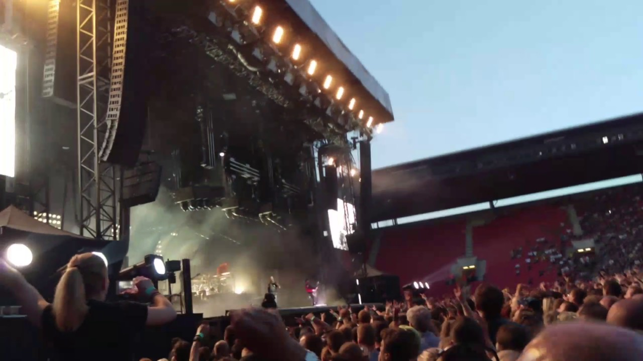 Rammstein - Ich Tu Dir Weh [Prague Live 28.05.2017] - YouTube