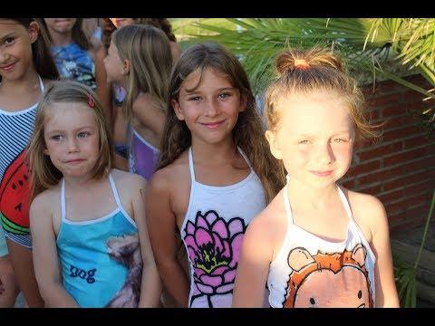 Desfile infantil de Koku Kids en la Semana de la Moda Baño