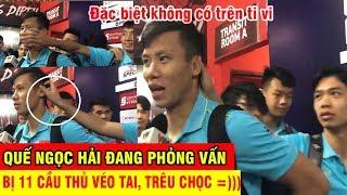 Quế Ngọc Hải bị đồng đội véo tai, troll cực mạnh khi đang phỏng vấn sau trận Indonesia | Ted Trần TV