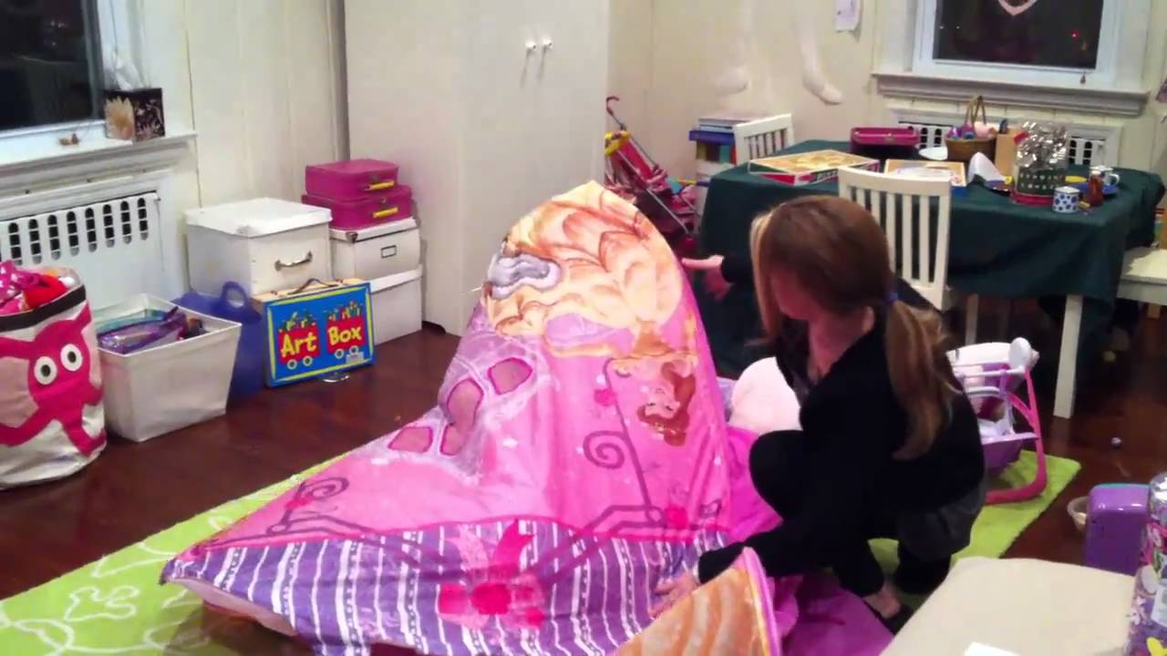 & How to Fold a Princess Pop Up Tent - YouTube