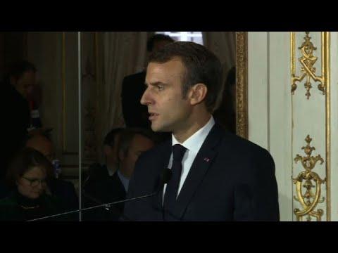 """Ghosn:l'Etat français """"extrêmement vigilant"""" sur Renault(Macron)"""