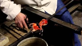 Как делают Муранское стекло./ How Murano glass is made.(мастерство венецианских мастеров обращаться со стеклом, завораживает! Venetian masters the skill to handle the glass, fascinating!, 2013-01-23T09:04:13.000Z)