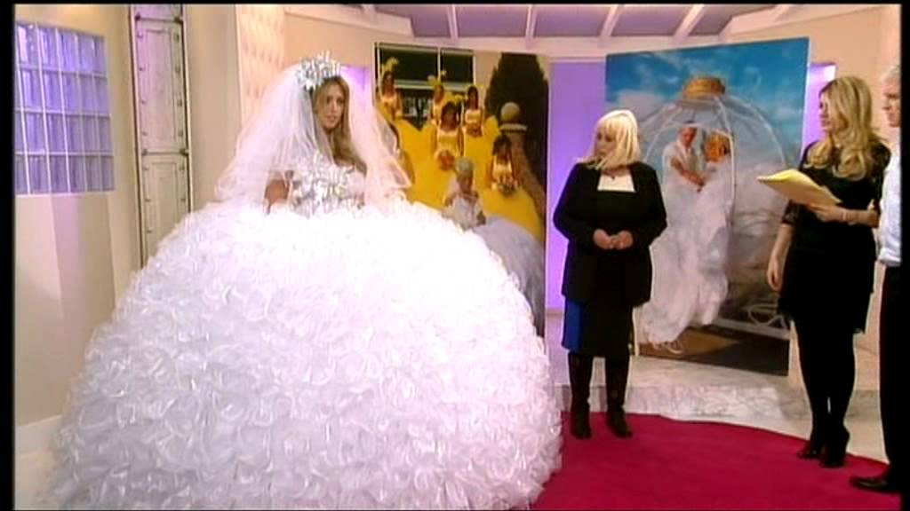 Elaborate wedding dresses from the Gypsy Wedding tv series - YouTube
