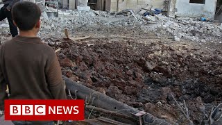 Syria war: Strikes on Idlib 'target schools and hospitals' - BBC News