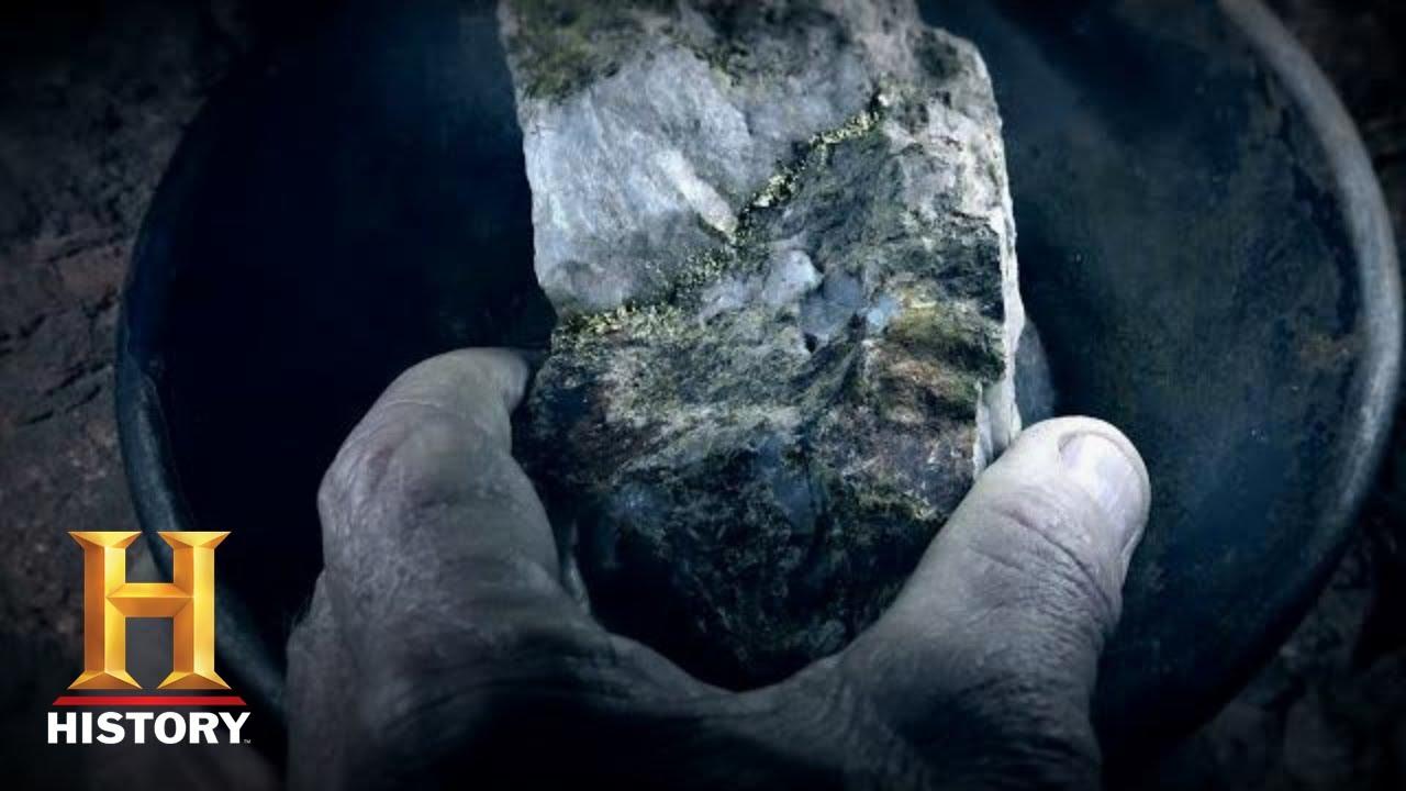 Download Beyond Oak Island: TRILLION DOLLAR GOLD Discovered Inside Lost Dutchman's Mine (Season 1) | History