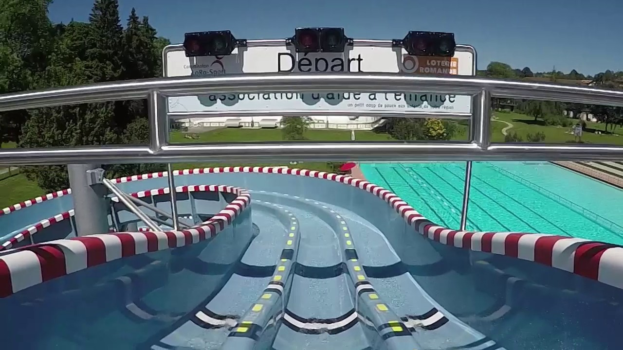 Nouveau toboggan de la piscine des m l zes youtube for La piscine translation