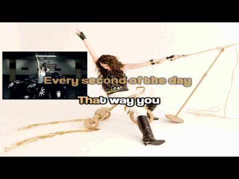 Miley Cyrus Fly on the wall Karaoke (HD)