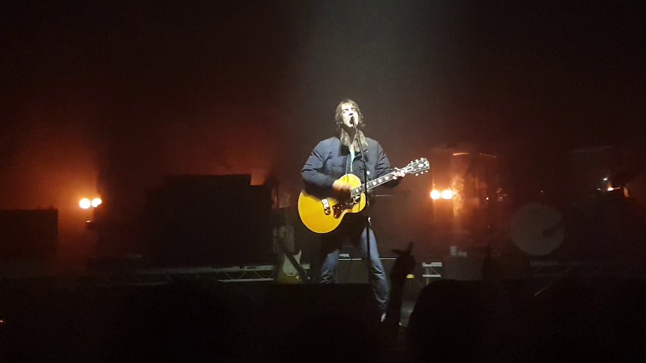 Richard Ashcroft- The drugs don't work . Live at Olympia theatre. Dublin - YouTube