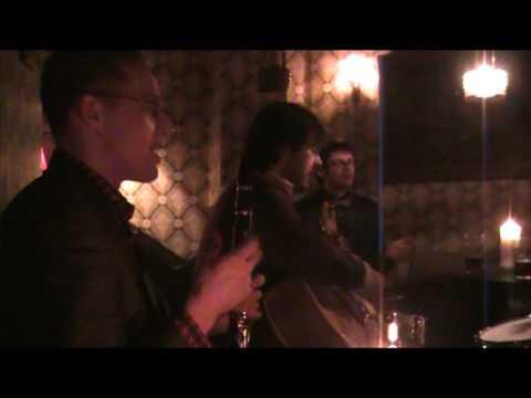 Shirt Tail Stompers live in Copenhagen. Café  Bang og Olufsen