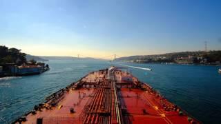AMAZING Tanker passing the Strait of Bosphorus in 40 sec 4k