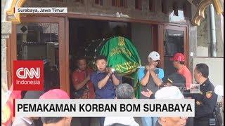 Video Isak Tangis Warnai Pemakaman Satpam Gereja Korban Bom Surabaya download MP3, 3GP, MP4, WEBM, AVI, FLV Juli 2018