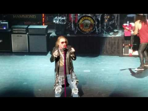 GUNS N ROSES live at the Apollo in NYC