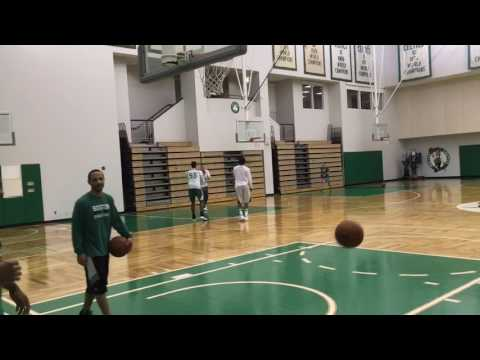 Jaylen Brown, Demetrius Jackson play 1-on-1 after Boston Celtics practice