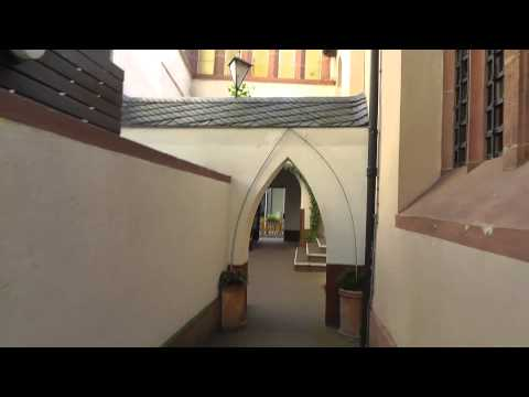 Frankfurt: Ich gehe ins Kloster. I go to the Monastery in downtown