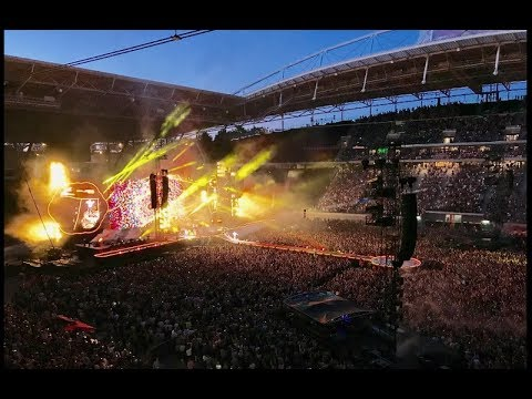 Something like this - Coldplay live in Leipzig (AHFOD Tour 2017 june 14.) GoPro5Hero