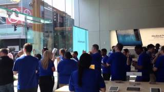 Gambar cover Opening of the Ridge Hill (Yonkers) Apple Store