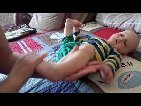 Материнский массаж стоп с рождения до 1 года