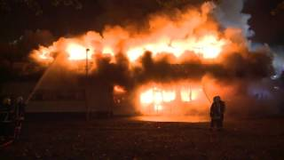 04.10.2015: Brandstiftung? Burger King in Rostock lichterloh in Flammen