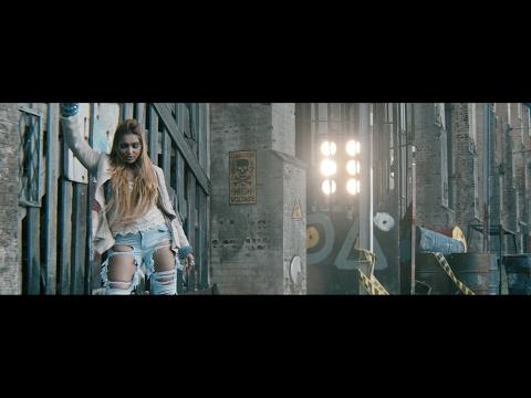 NATASHA RATHNAYAKE  - SHAKE THAT (Remix) ft. Rohitha J (Official)