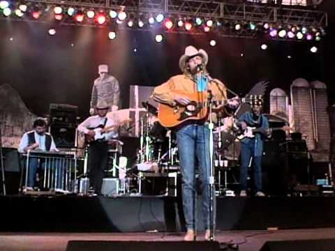 Alan Jackson - Here In the Real World (Live at Farm Aid 1990)