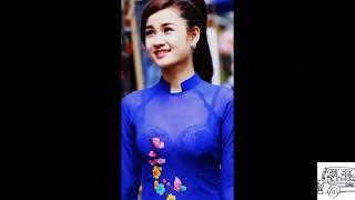 Ao Dai drama as traditional Vietnamese clothes especially women Mặc Áo dài lộ hàng nóng