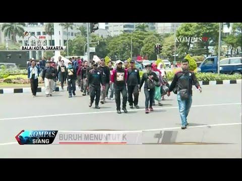 Buruh Demo Menuntut Kenaikan UMP DKI Jakarta