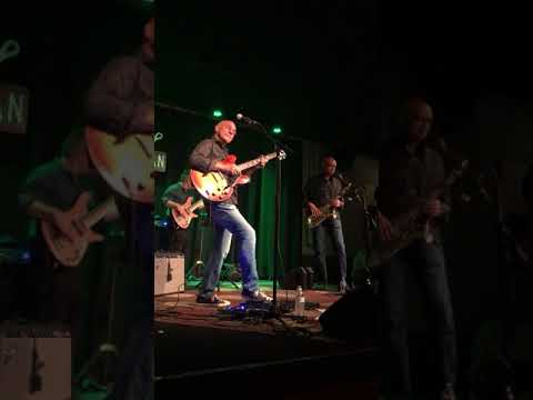 Larry Carlton - 10th - Walter Becker Tribute - Josie - The Tin Pan, Nov 9, 2017