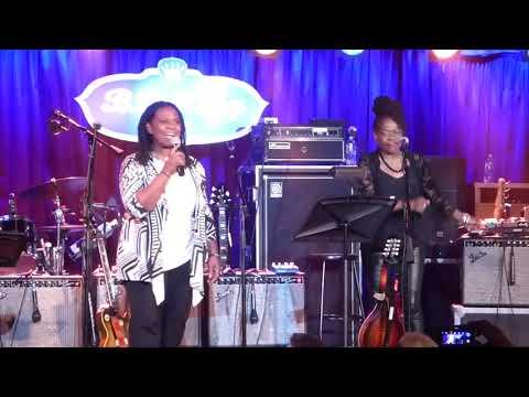 Jimmy Vivino's NYC Blues Revue Ft Ruthie Foster & Catherine Russell - John The Revelator 9-6-17 BB