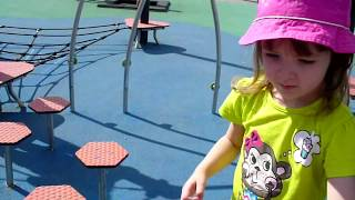 Nikita Milana i Papa play on the children's Playground for children