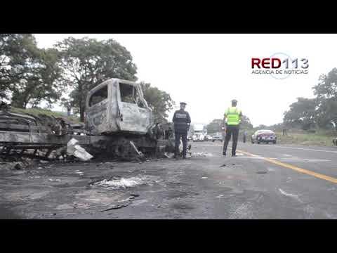 VIDEO Tres heridos en encontronazo entre 2 vehículos de carga en la autopista Pátzcuaro-Cuitzeo