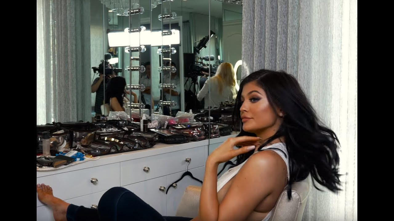 Download KYLIE GLAM: My Sexy 18th Birthday Look