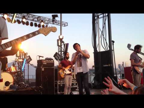 """Young The Giant - """"Strings"""" (Live) [Microsoft Intern Secret Show]"""
