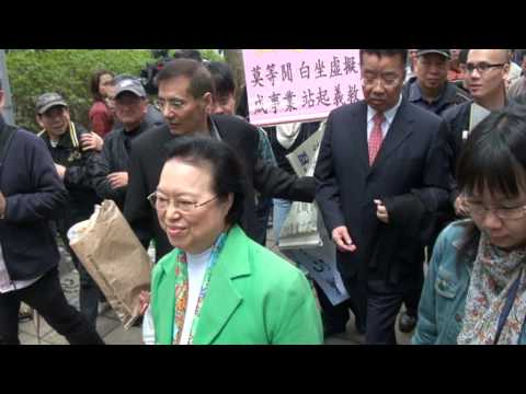 2010.04.18 - 《香港電台 城市論壇》(完結後) - 1 (劉夢熊 譚惠珠 離場)