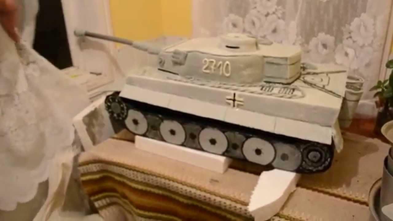 фото торт в форме танка