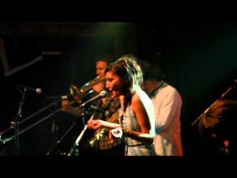 Fatima Spar & The Freedom Fries - Die Kleptomanin