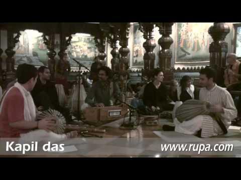 Bhajan - New Year's Eve 2010 - Kapil das - 3/22