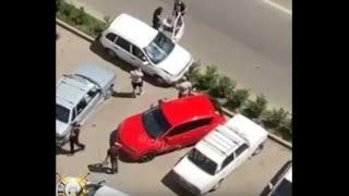 Пьяный водитель в Ставрополе въехал на газон и врезался в   автомобили на стоянке