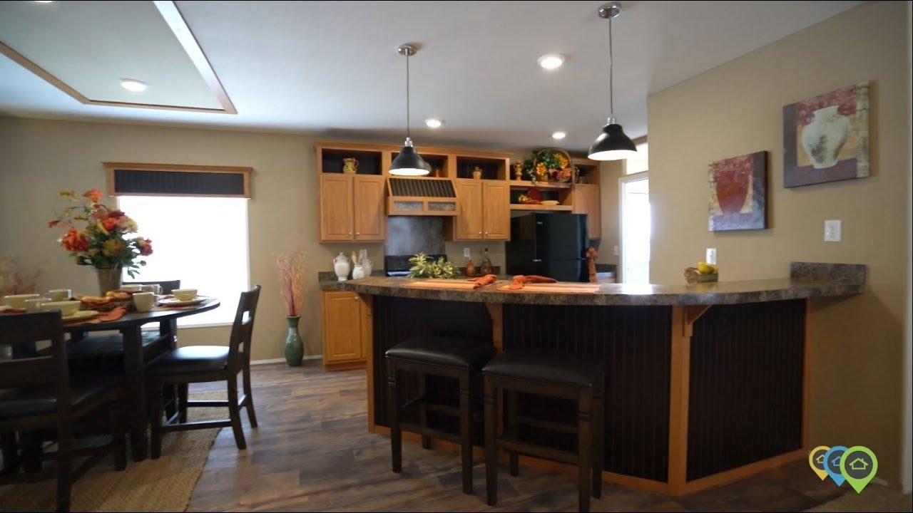 Fleetwood Homes presents the Waverly Crest 28563W