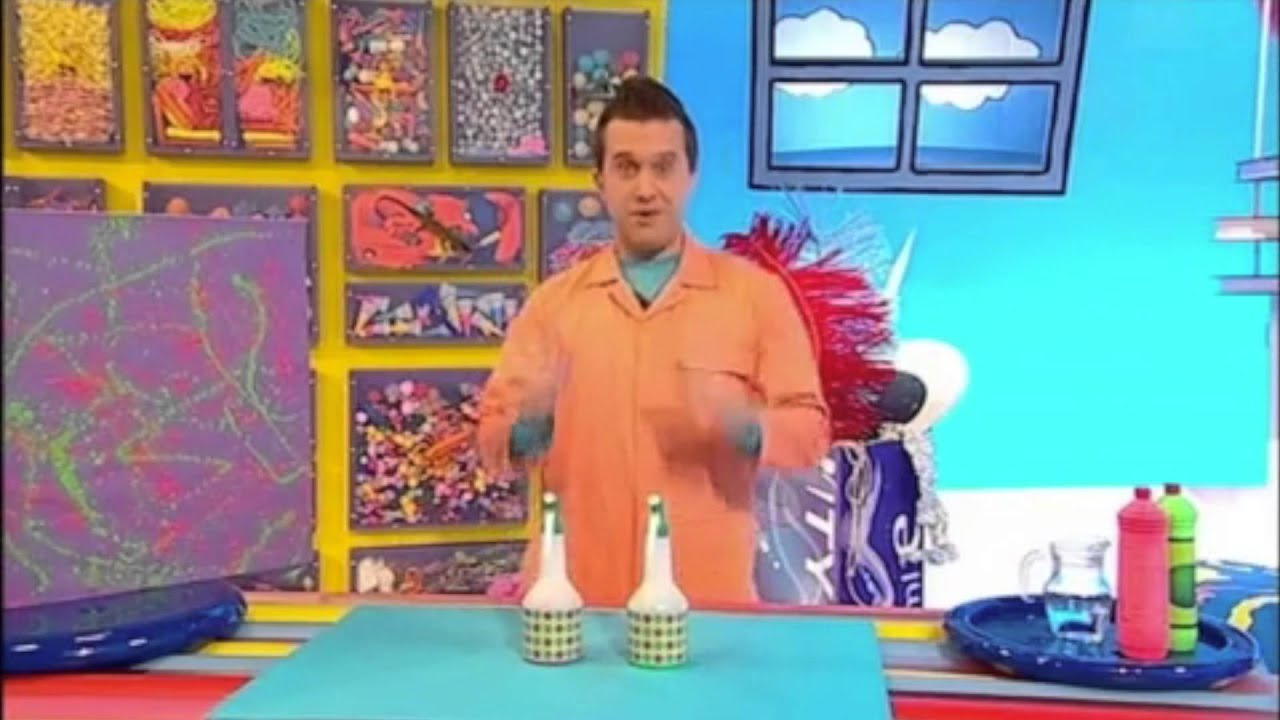Spray Paint Picture Make! | Mister Maker - YouTube