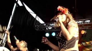 M.I.A - Galang (Live at Siren Fest 2007)