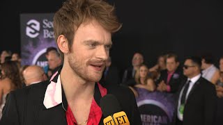 Finneas O'Connell Talks Friendly Sibling Arguments with Billie Eilish | American Music Awards 2019
