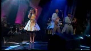 Amy Winehouse - Rehab (Live on Jools Holland)