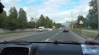 Движение змейкой на автодроме..