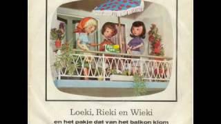 Loekie Riekie en Wiekie en het pakje dat van het balkon viel