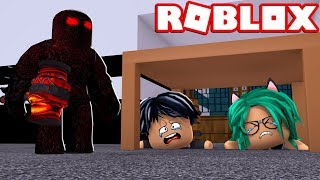 DRINK DERANKITO AND DRINK LULY ESCAPAN FROM THE BEAST in FLEE THE FACILITY ROBLOX 😱