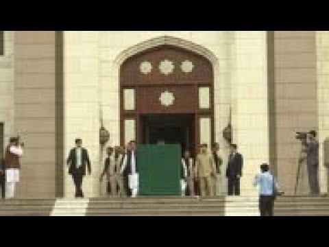 Khan: Pakistan will respond if India attacks