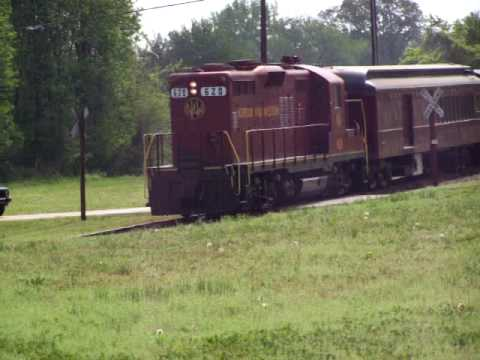 Norfolk and Western GP-9 #620 pulling tuscan red train