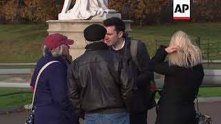 London tourists react to news of Prince Harry engagement
